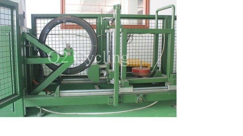 Vozíkový test dle standardů UCI. Pneumatika nahuštěná na 100PSI, vozík se 100kg kladivem na troleji s rchlosti 10km/h. Náraz do kola ve spodní 1/4 pod úhlem 45°