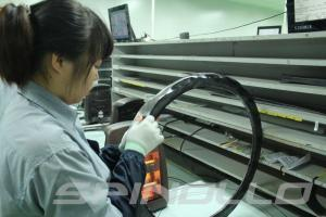 Výroba karbonového ráfku.